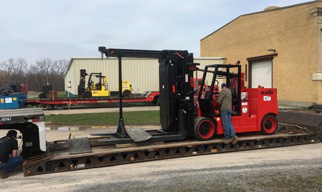 Warehousing and trucking service photo